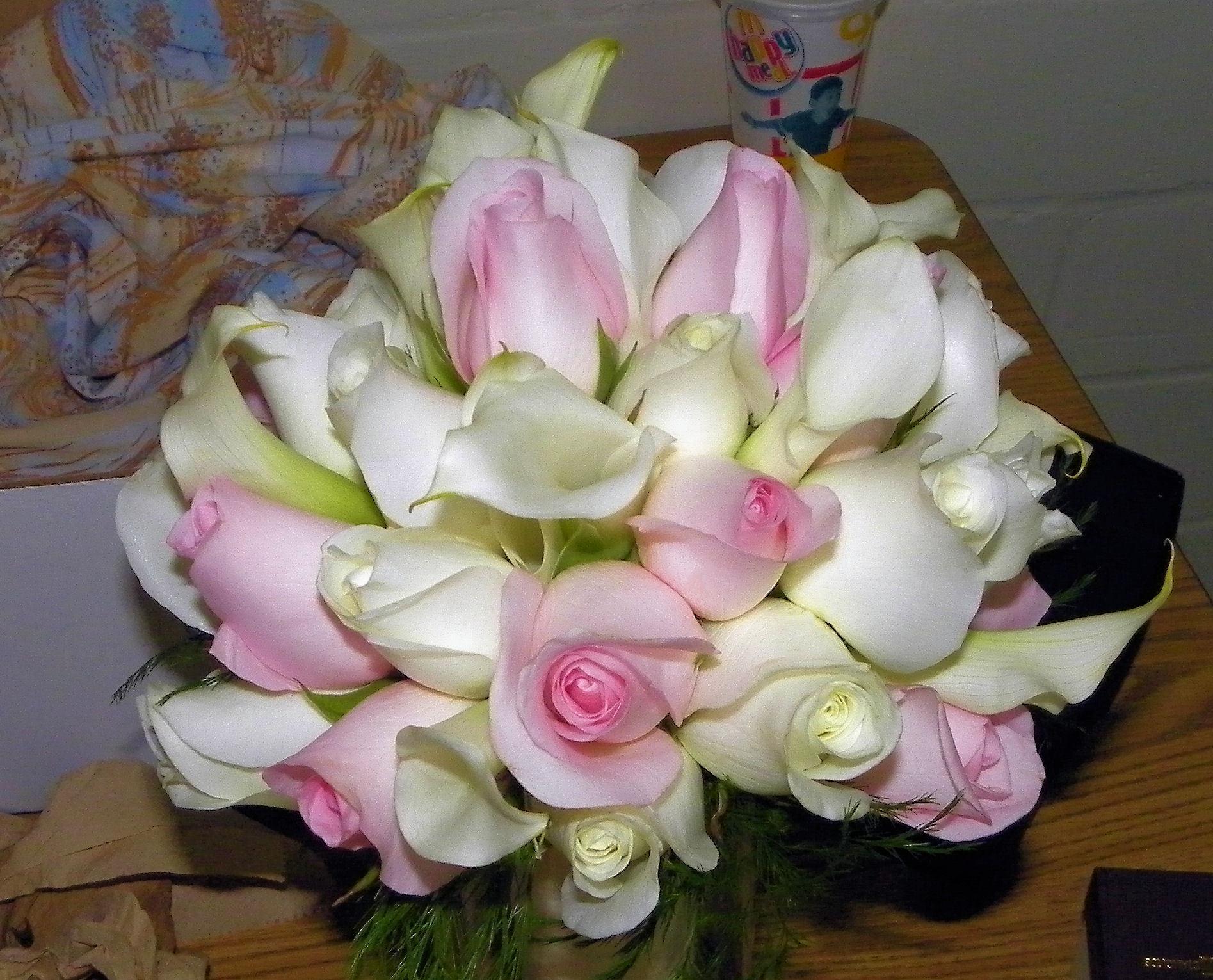 white, pink, Roses, Bouquet, Bridal, Mini, Callas, Pale