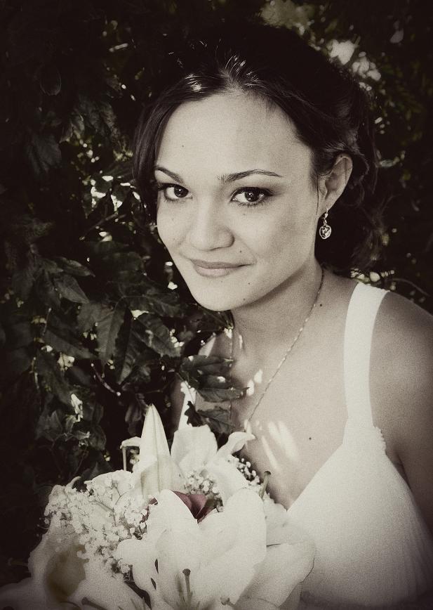 Beauty, Inspiration, Flowers & Decor, Wedding Dresses, Vintage Wedding Dresses, Fashion, white, brown, black, dress, Makeup, Vintage, Flowers, Vintage Wedding Flowers & Decor, Hair, Board, Julie wilson, Flower Wedding Dresses
