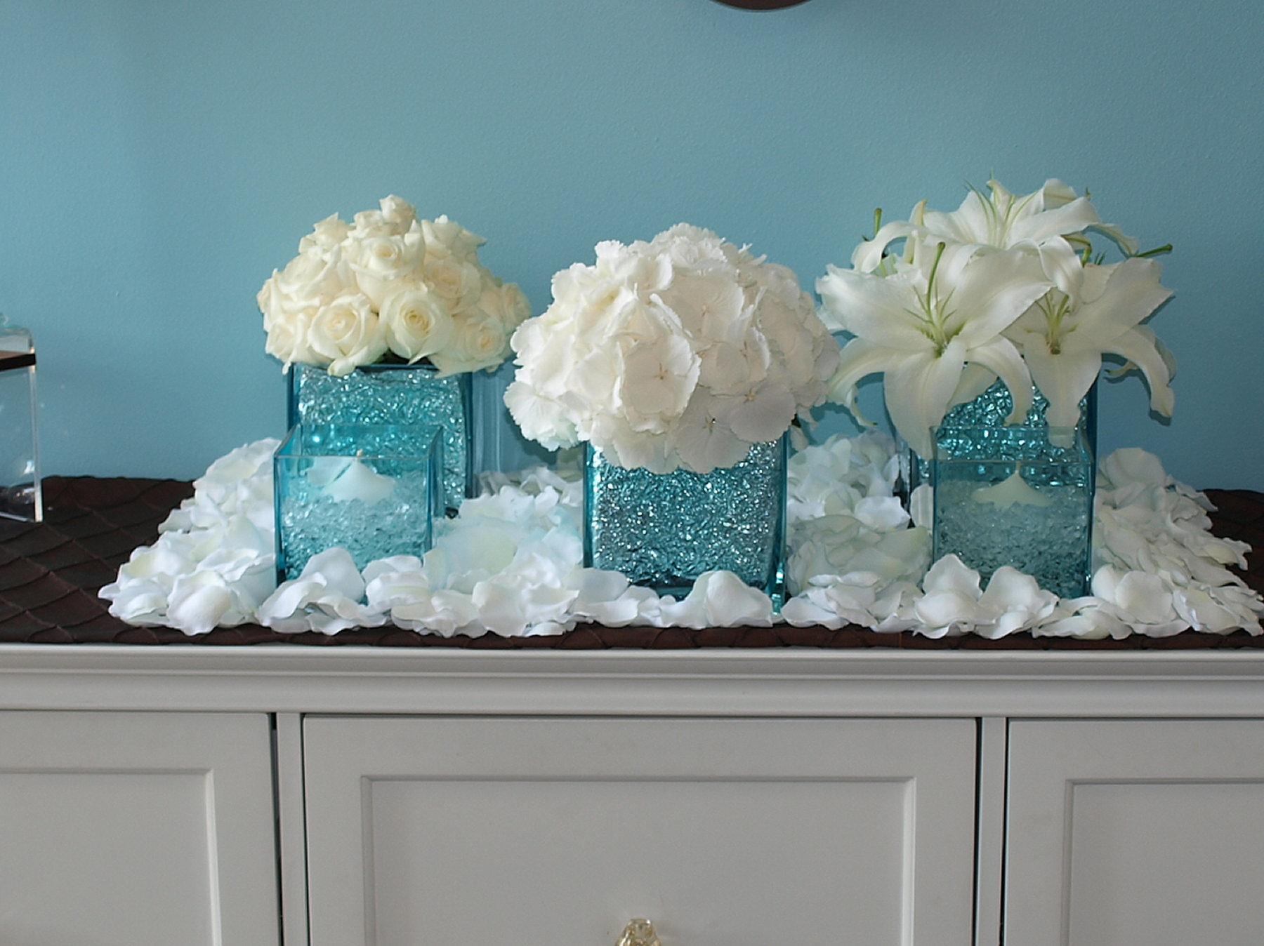 Reception, Flowers & Decor, white, blue, silver, Flowers, Fantasia floral