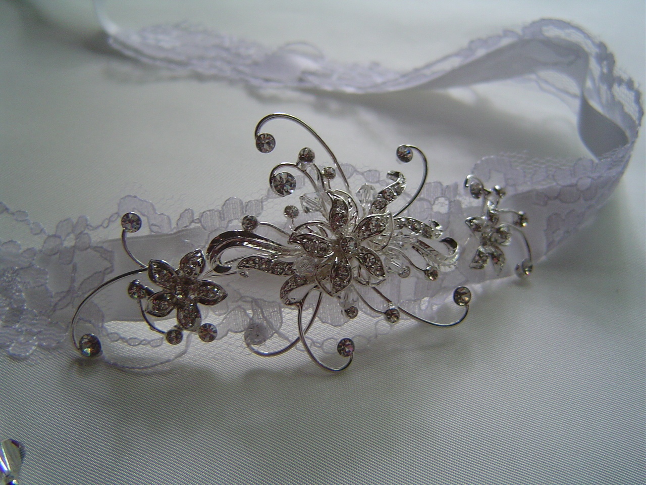 Beauty, Flowers & Decor, Jewelry, Wedding Dresses, Lace Wedding Dresses, Fashion, white, silver, dress, Tiaras, Headbands, Flowers, Hair, Bridal, Tiara, Lace, Ribbon, Rhinestone, Headband, Bridalbling, Flower Wedding Dresses