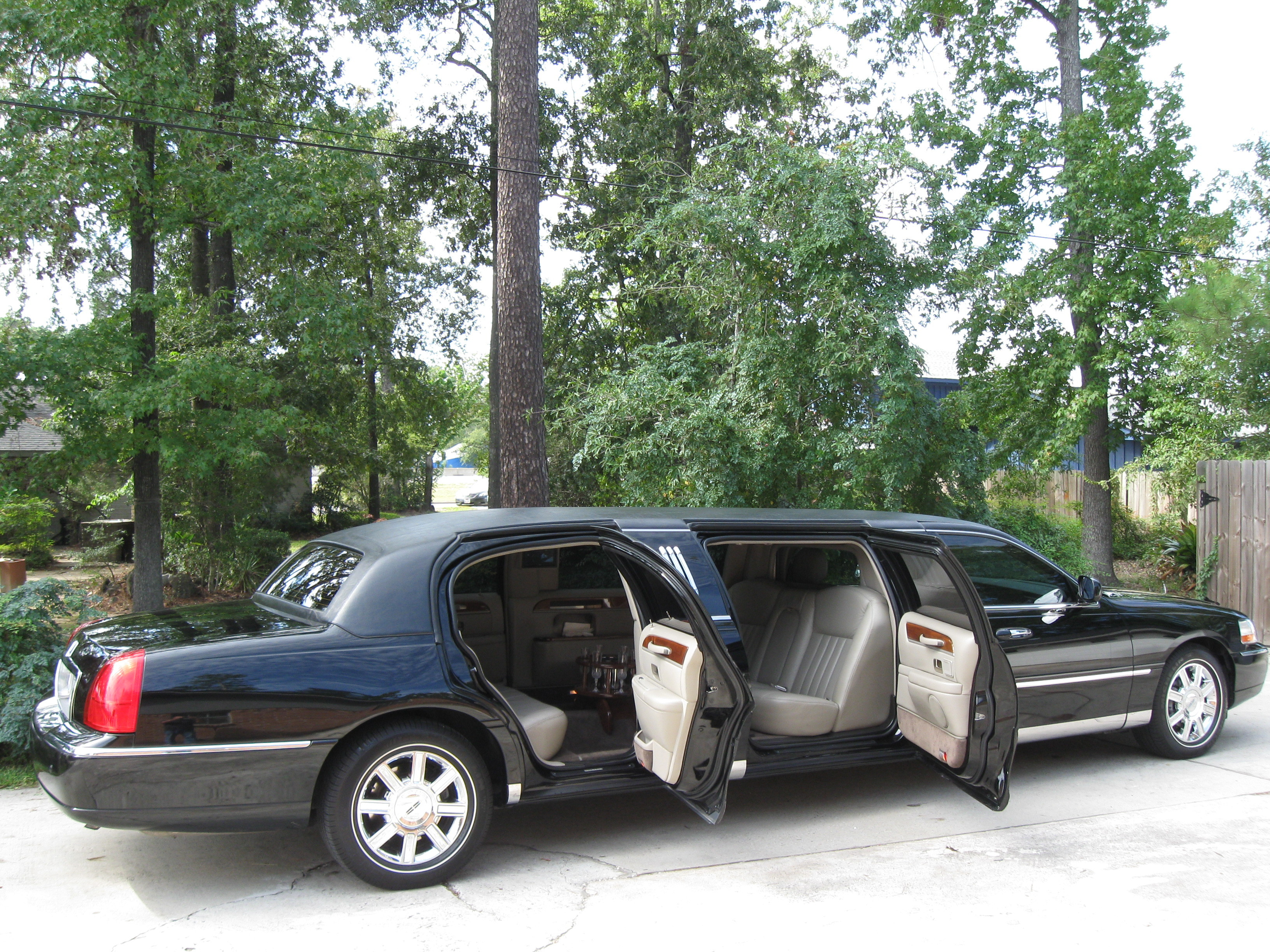 black, Wedding, Limousine, inc, Limo, Limos, Luxury, Corporate limousines of tx
