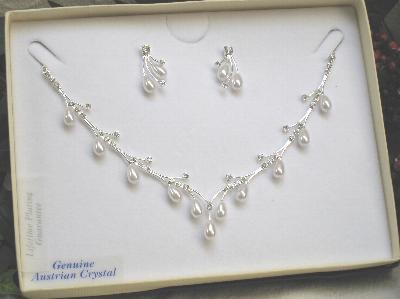 Jewelry, silver, Necklaces, Earrings, Pearls, Necklace, Jewellery, The thank you company, Austrian crystals