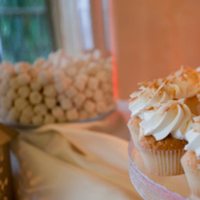 Cakes, gold, cake, Dessert, Cupcake, La venta inn, Display, Delicious