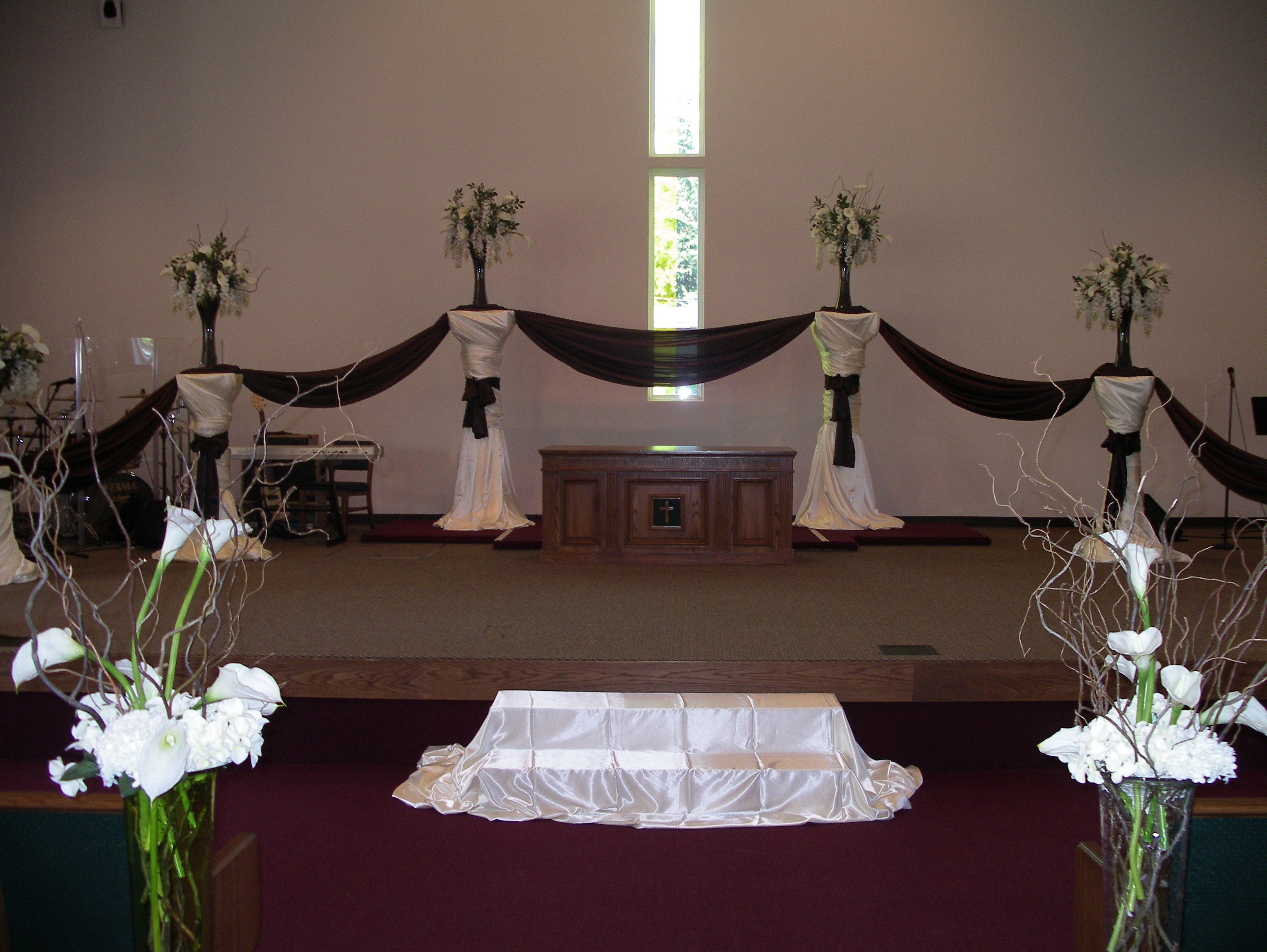 Ceremony, Flowers & Decor, brown, A tailored affair