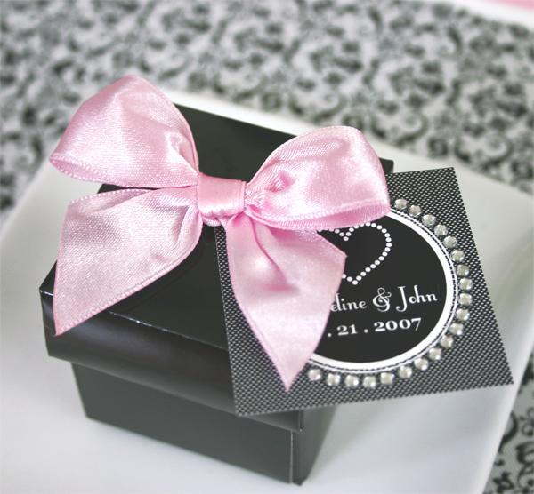 Ceremony, Reception, Flowers & Decor, Favors & Gifts, Bridesmaids, Bridesmaids Dresses, Wedding Dresses, Stationery, Cakes, Fashion, gold, cake, dress, favor, Favors, Invitations, Gifts, Wedding, Satin, Free, Bows, Boxes, satin wedding dresses