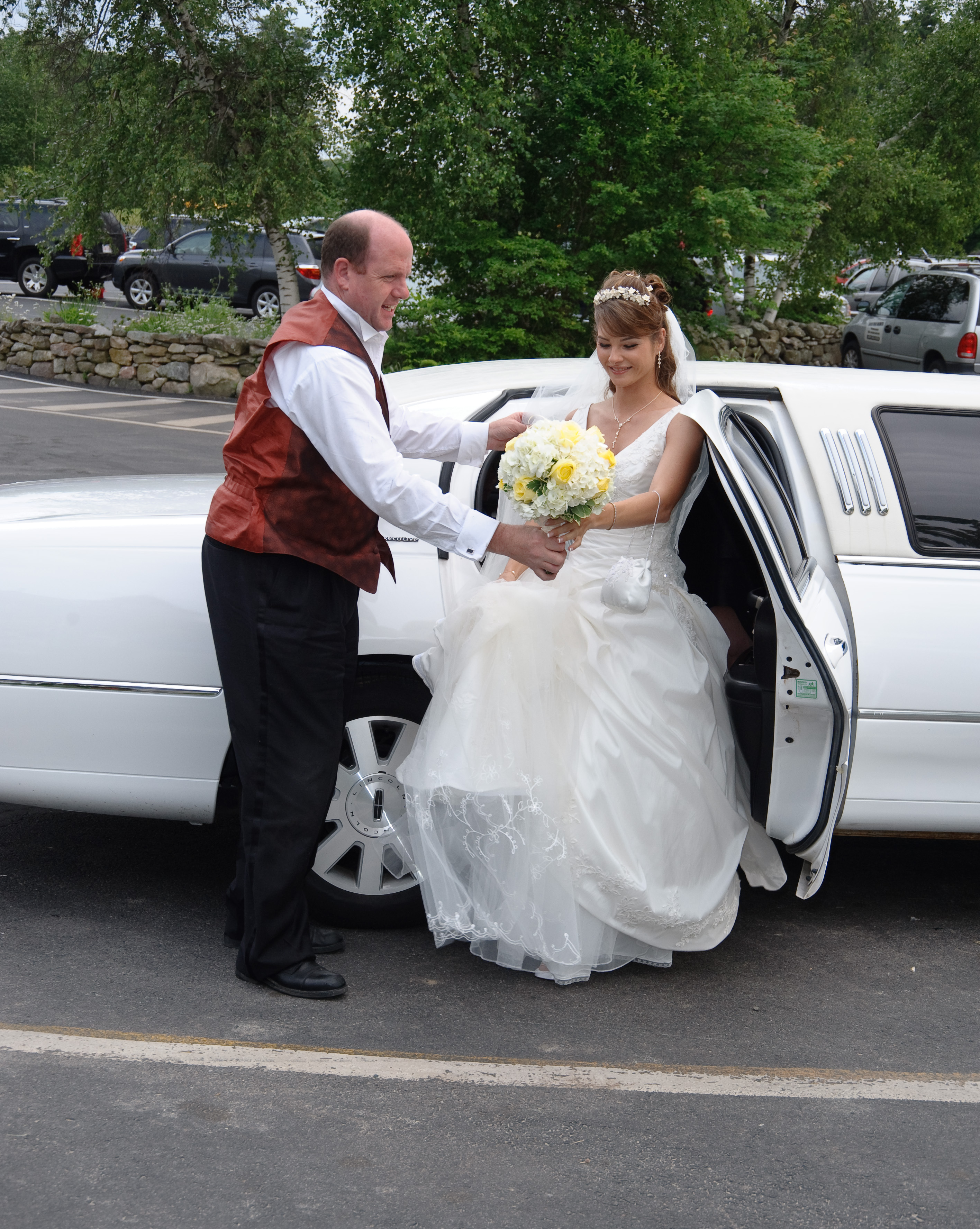 Wedding Dresses, Fashion, white, red, dress, Bride, Limousine, Chauffeur, A limo affair
