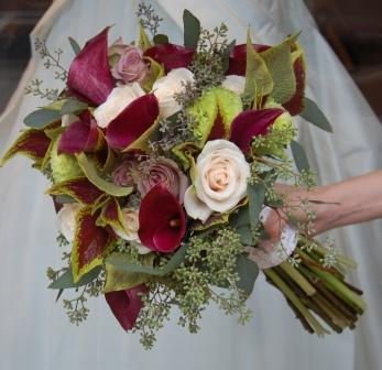 Flowers & Decor, Bridesmaids, Bridesmaids Dresses, Fashion, purple, brown, Bride Bouquets, Bridesmaid Bouquets, Flowers, Roses, Bouquet, Bridal, Natural, Monday morning flowers, Amnesia, Flower Wedding Dresses