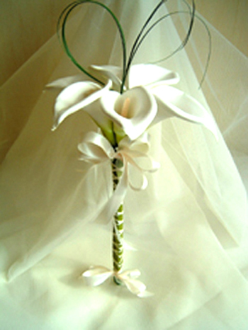 Flowers & Decor, white, Flowers, Of, Calla, Lilies, Bridal, Spray, Rainbow wedding flowers, Minimalistic