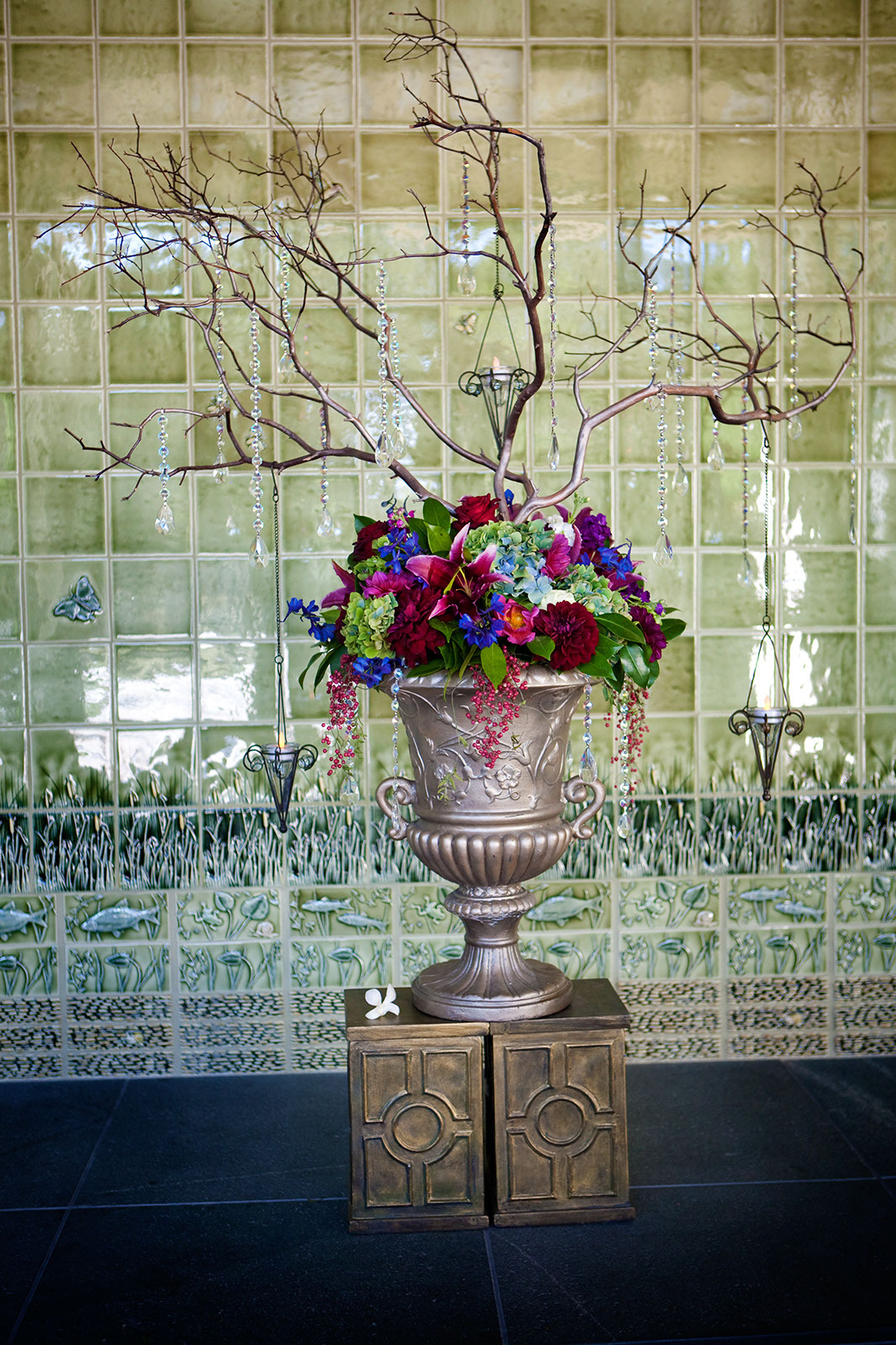 Roses, Centerpiece, Orchids, Tree, Tea, Hydrangea, Lights, Victorias florals, Dahilas
