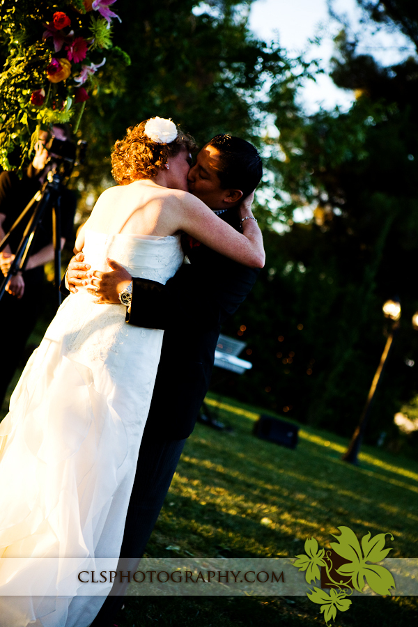 Christine lee smith photography, Bride and groom first kiss