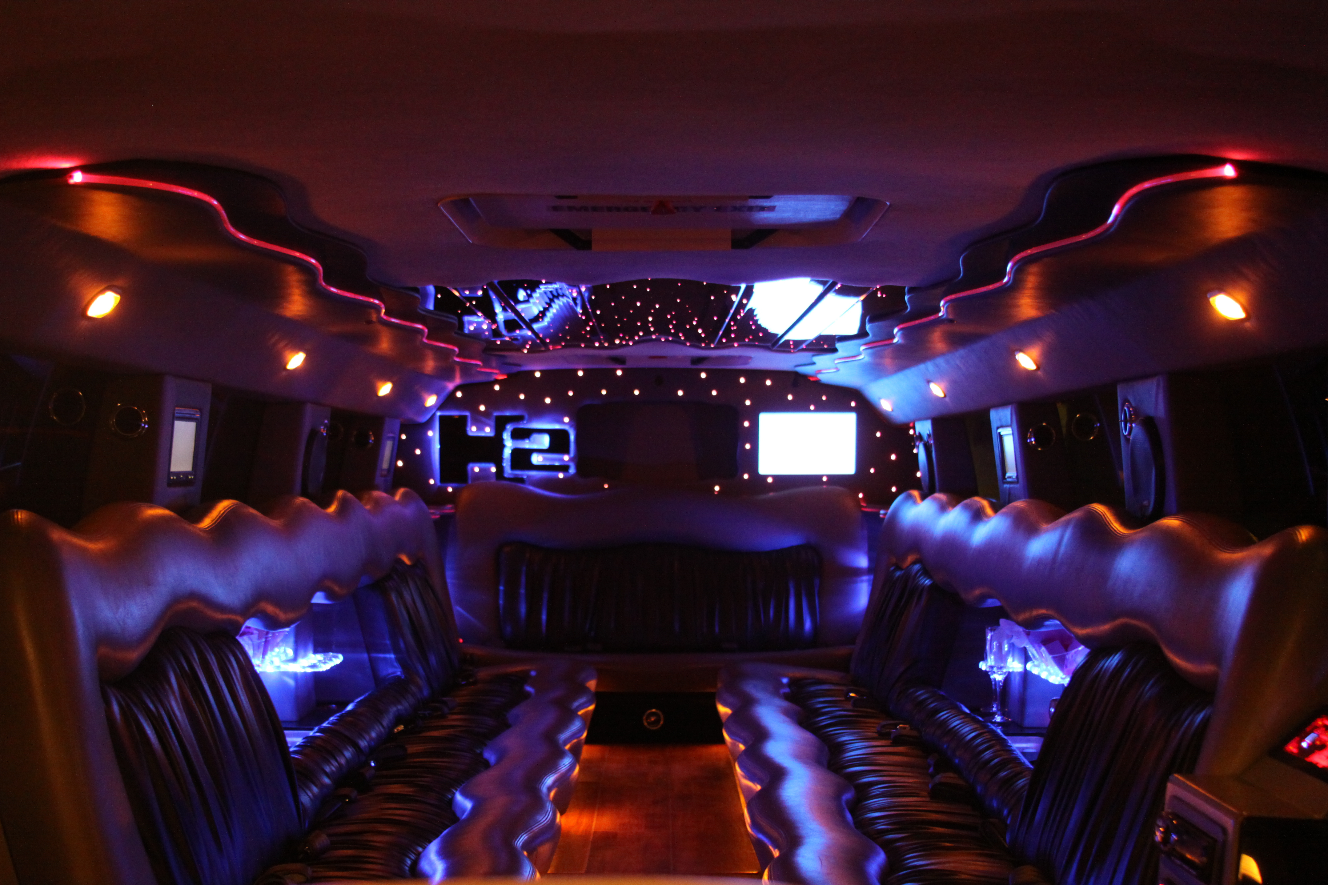 Reception, Flowers & Decor, white, inc, Limo, Hummer, Fancylimoscom