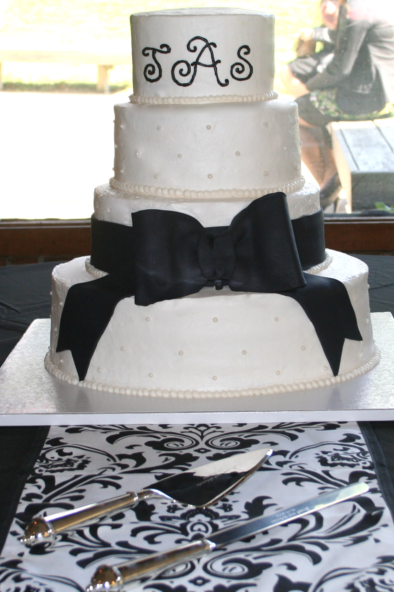 Cakes, white, black, cake, Monogrammed Wedding Cakes, Monogram, Wedding, Fondant, Buttercream, Simple, Bow, Dots, Swiss, Beaded, Border, Plain, Bennys bakery