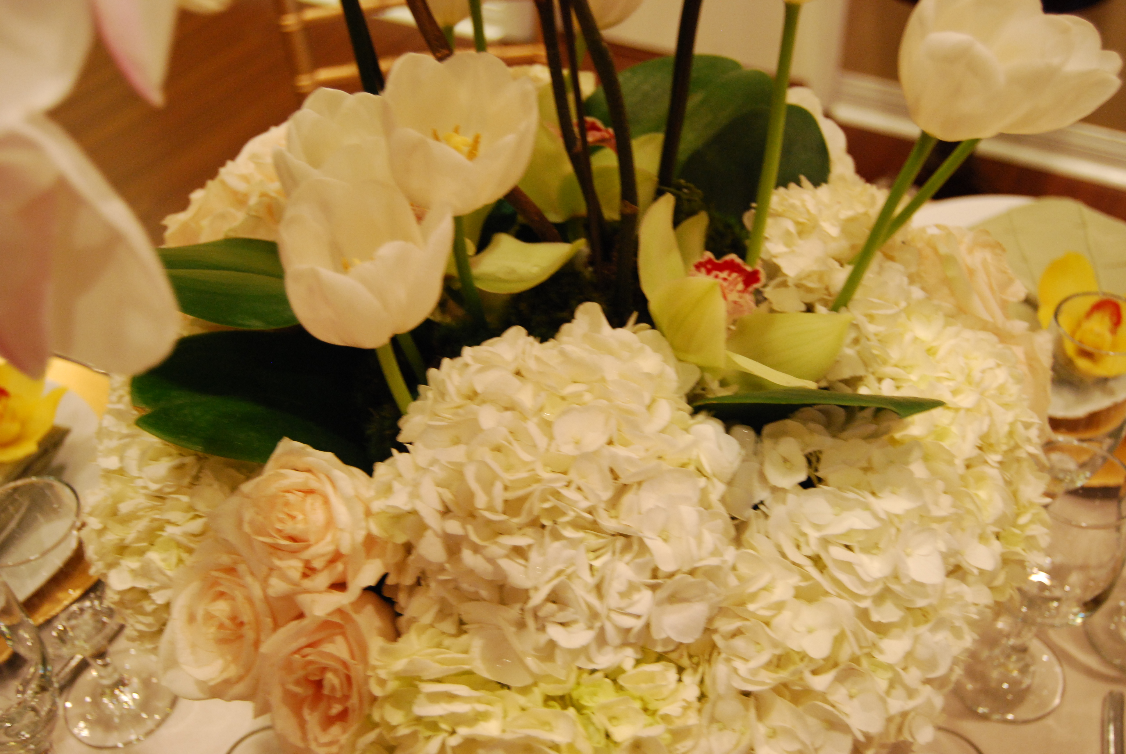 Reception, Flowers & Decor, white, pink, green, Flowers, An elegant touch