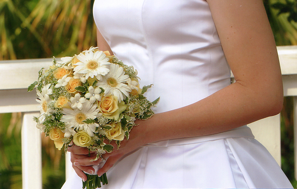Flowers & Decor, white, yellow, Flowers, Roses, Bridal, Daisies, Gerbera, Dream designs florist boutique