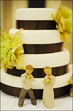 Cakes, white, brown, cake, Ribbon Wedding Cakes, Fondant, Cake topper, Ribbon, Tami mcinnis photography