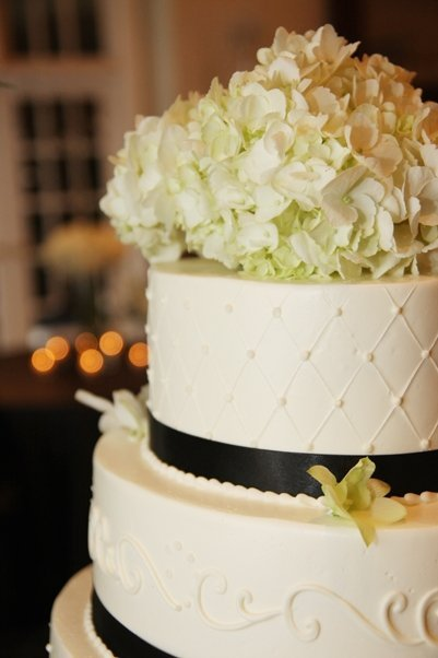 Flowers & Decor, Cakes, white, black, cake, Flowers, Orchids, Hydrangea, Dazzling bouquets