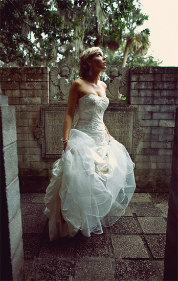 Beauty, Jewelry, Wedding Dresses, Vintage Wedding Dresses, Fashion, white, dress, Makeup, Vintage, Bride, Hair, The duckduck collective