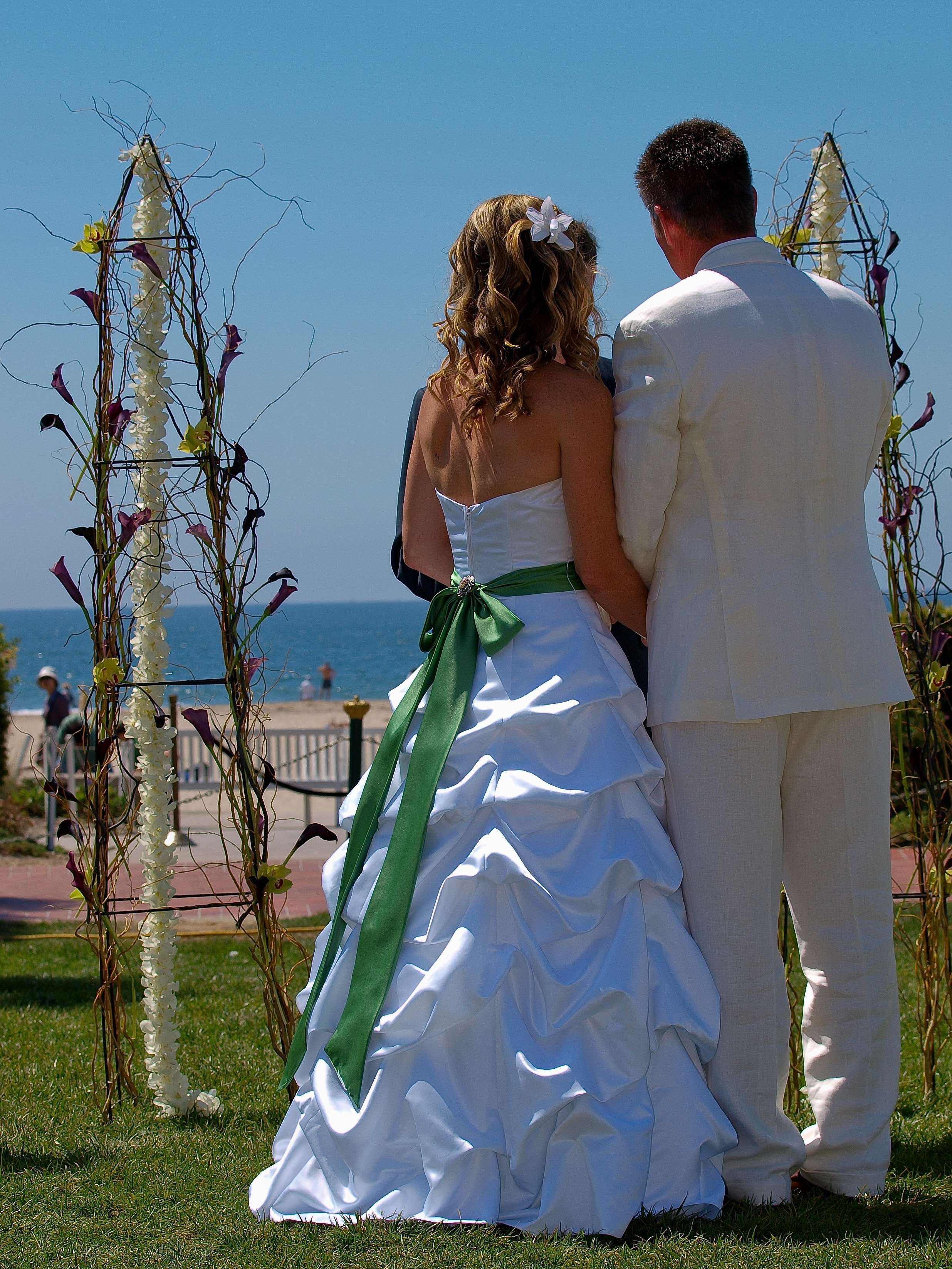 Ceremony, Flowers & Decor, Wedding Dresses, Beach Wedding Dresses, Fashion, green, dress, Beach, Ceremony Flowers, Flowers, Beach Wedding Flowers & Decor, An impressive event, Flower Wedding Dresses