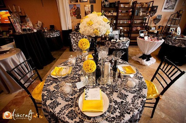 Black white and yellow wedding wedding tips and inspiration black white and yellow wedding decoration ideas junglespirit Image collections