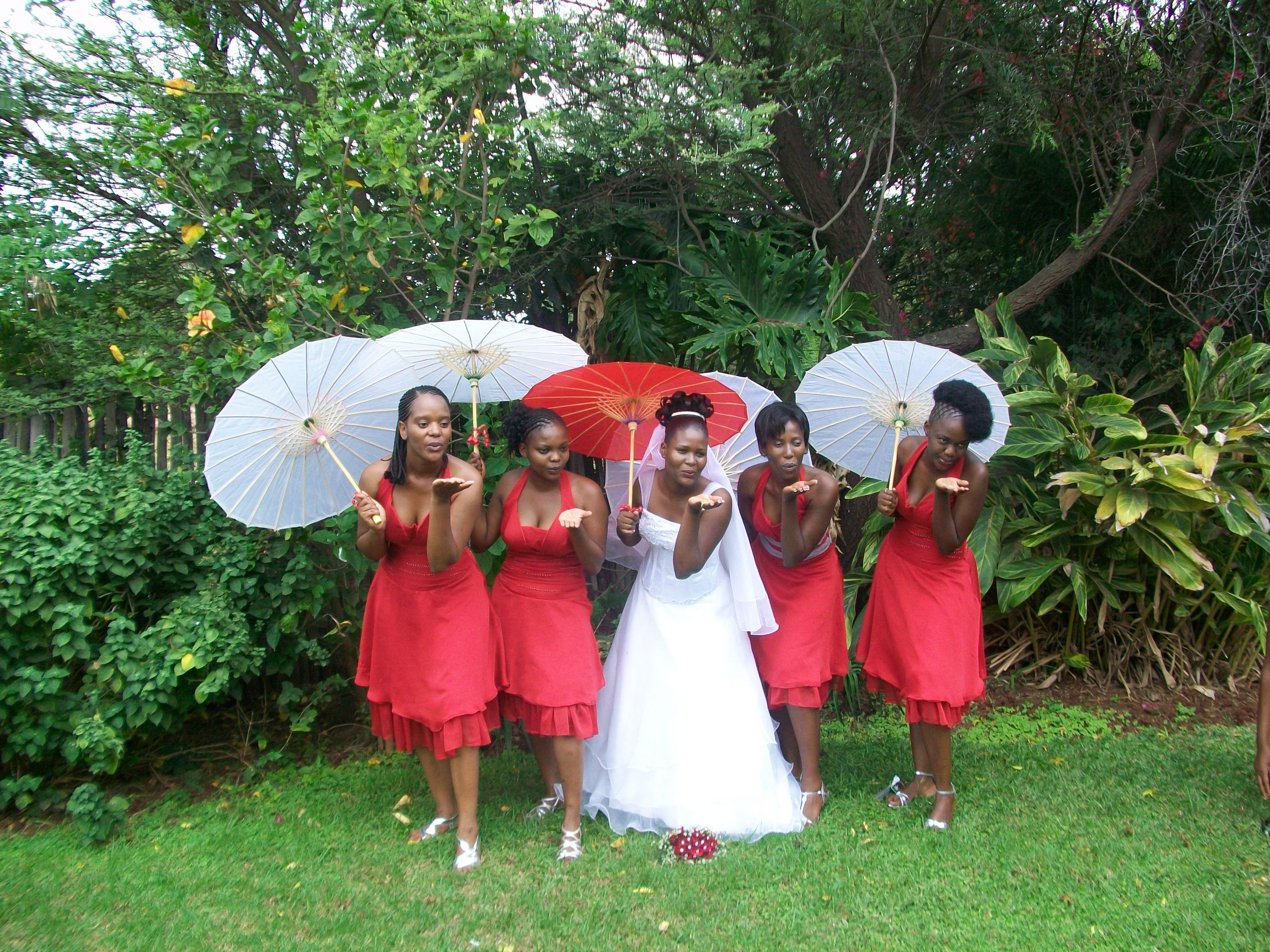 red, Bridesmaids, Parasols, Fashion, Bridesmaids Dresses