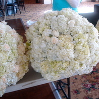 Flowers & Decor, white, Centerpieces, Flowers, Centerpiece