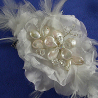 Beauty, Flowers & Decor, Jewelry, white, silver, Feathers, Bride Bouquets, Vintage, Bride, Flowers, Vintage Wedding Flowers & Decor, Flower, Hair, Headpiece, Look, Retro, Fascinator, Feather, Damselfly studio