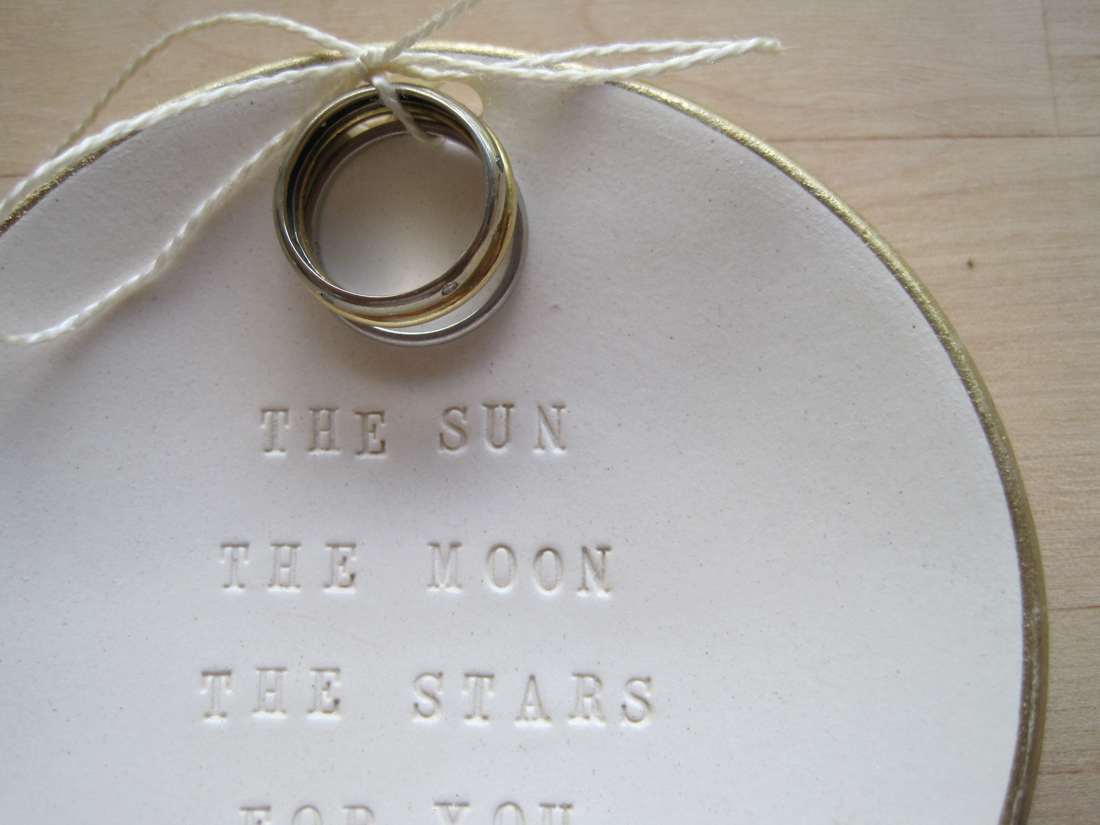 Ceremony, Inspiration, Flowers & Decor, Jewelry, Bridesmaids, Bridesmaids Dresses, Fashion, white, gold, Engagement Rings, Ring, Board, Pillow, Bearer, Weddings, Alternative, Bowl, Holder, Martha, Stewart, Stamped, Dish, Words, 18k, Palomas nest