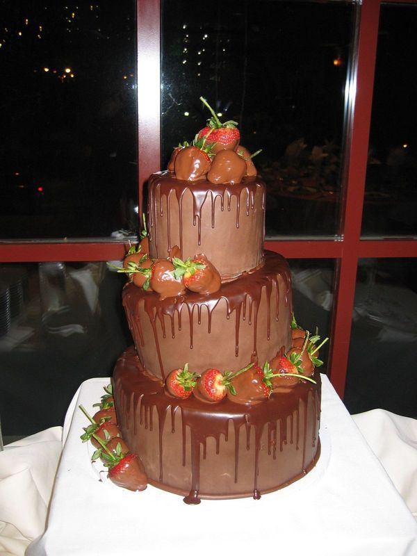 cake, red, brown, Chocolate, Strawberries, The makery, Topsy turvey, Cakes