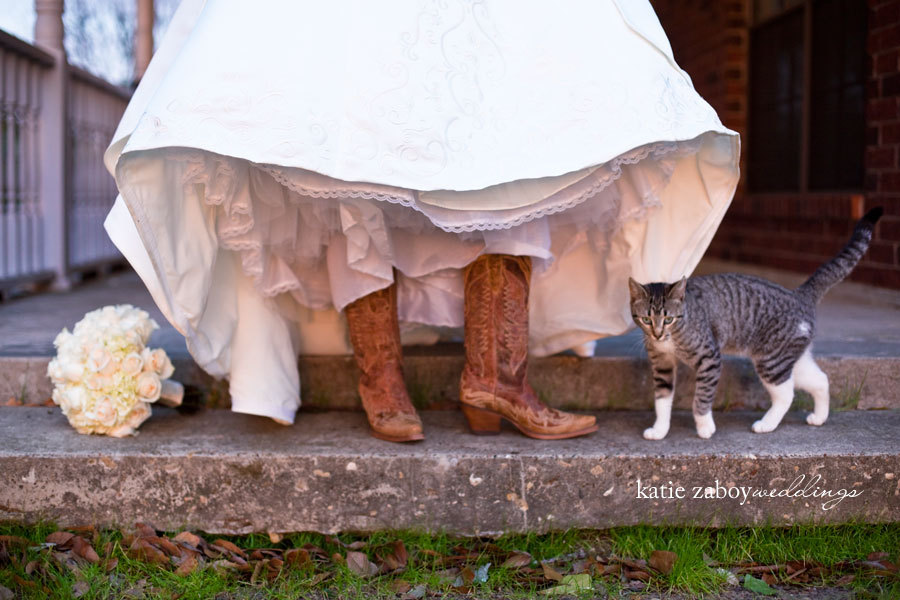 Flowers & Decor, Wedding Dresses, Shoes, Fashion, dress, Bride Bouquets, Bride, Flowers, Wedding, Cowboy, Texas, Country, Farm, Ranch, Boots, Katie zaboy photography, Flower Wedding Dresses
