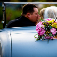 Flowers & Decor, white, pink, red, blue, green, black, Flowers, Car, Couple, Sunset, Kissing, J e bock photography