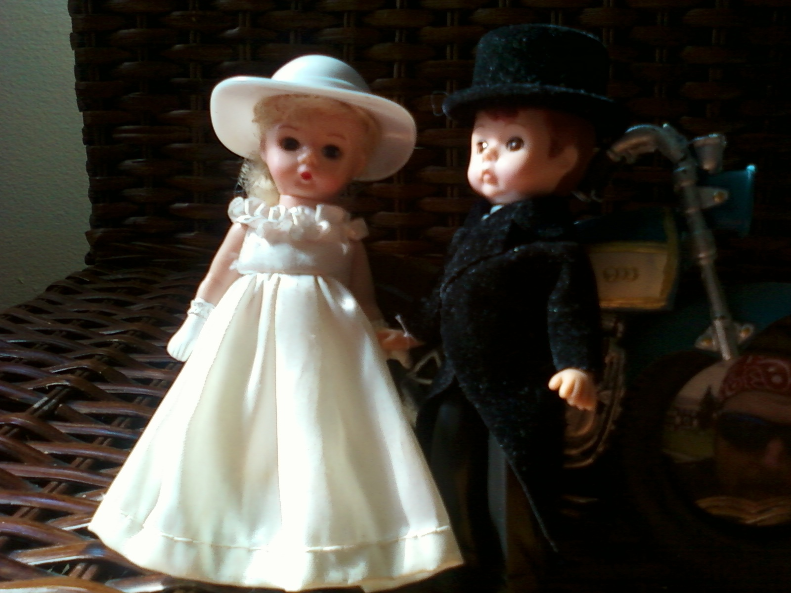 DIY, Reception, Flowers & Decor, Cakes, white, black, cake, Vintage, Vintage Wedding Cakes, Bride, Groom, Cutting, Toppers, Retro, Toys, Collectibles, Dolls