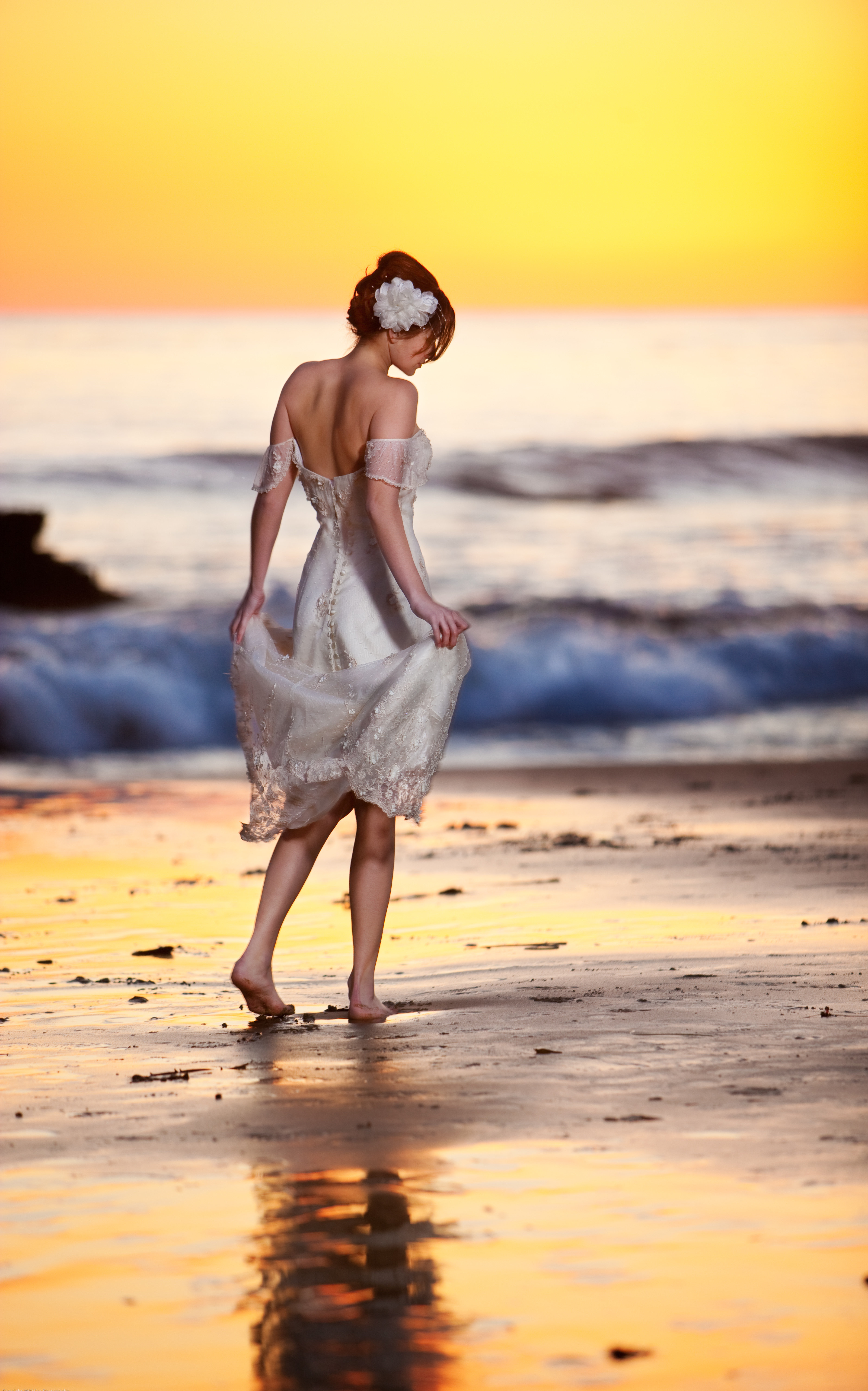 Wedding Dresses, Beach Wedding Dresses, Fashion, yellow, orange, red, purple, gold, dress, Beach, Bride, Wedding, Sunset, Golden, Vera, Wang, Capture the love, Striding
