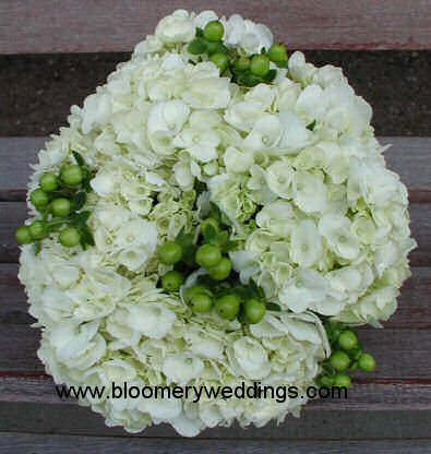 Flowers & Decor, Bridesmaids, Bridesmaids Dresses, Fashion, white, green, Bridesmaid Bouquets, Flowers, Flower Wedding Dresses