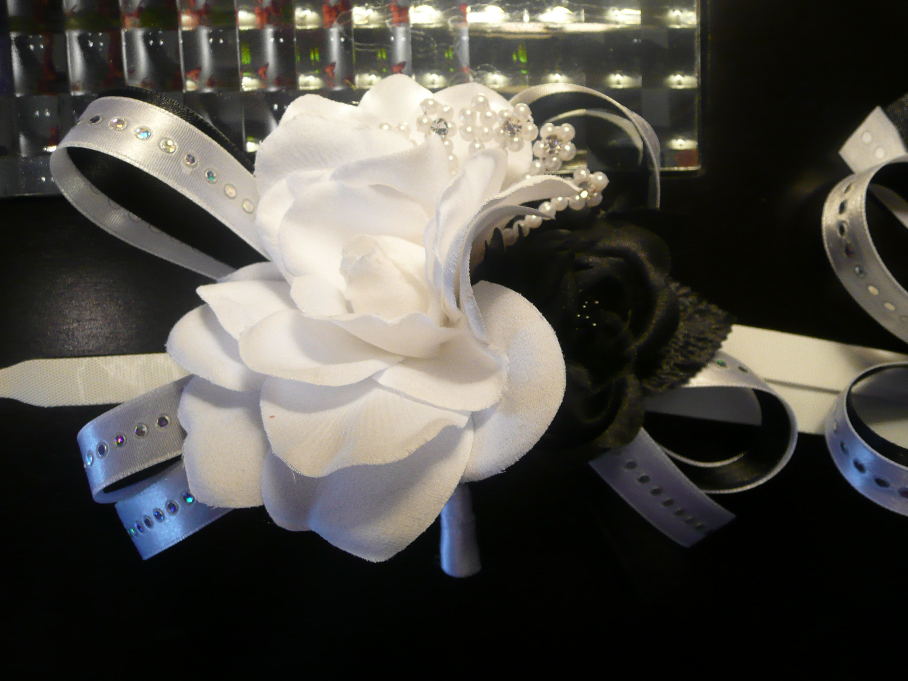 Ceremony, Flowers & Decor, white, black, Corsage