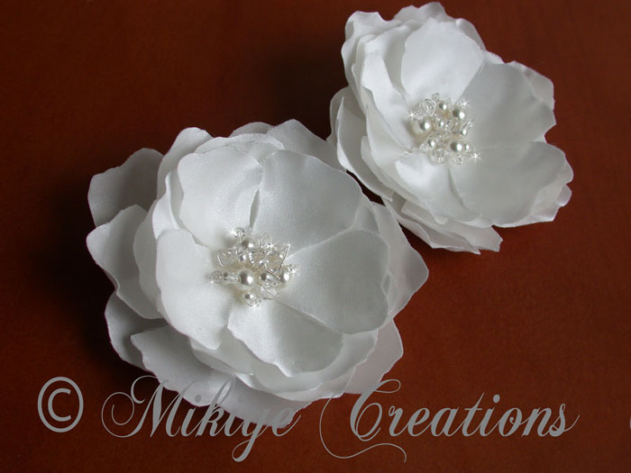 Beauty, Flowers & Decor, Jewelry, Bridesmaids, Bridesmaids Dresses, Veils, Fashion, white, Bride Bouquets, Bridesmaid Bouquets, Bride, Flowers, Flower, Veil, Hair, Birdcage, Headpiece, Accessory, Creations, Fascinator, Silk, Clip, Mikiye, Etsy mikiye, Flower Wedding Dresses, Silk Wedding Dresses