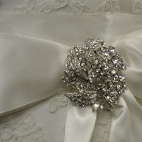 Jewelry, Wedding Dresses, Fashion, dress, Brooches, Gown, Bridal, Brooch