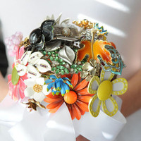 Ceremony, Inspiration, Flowers & Decor, Jewelry, Bridesmaids, Bridesmaids Dresses, Vintage Wedding Dresses, Fashion, Brooches, Ceremony Flowers, Bride Bouquets, Bridesmaid Bouquets, Vintage, Bride, Flowers, Vintage Wedding Flowers & Decor, Flower, Bouquet, Girl, Bridesmaid, Board, Brooch, Flower Wedding Dresses