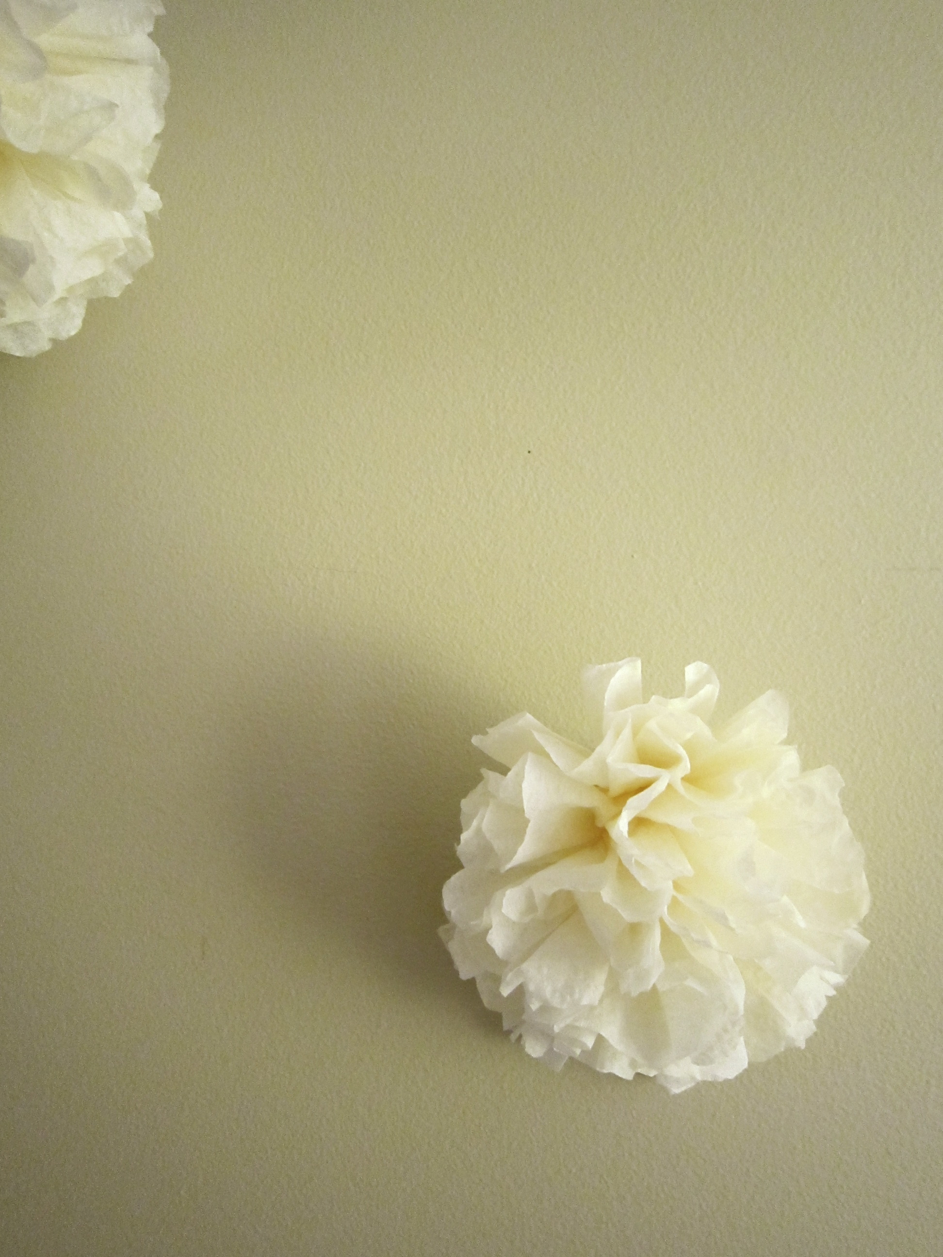 Ceremony, DIY, Reception, Flowers & Decor, Decor, Paper, white, yellow, Ceremony Flowers, Flowers, Napkin, Accent, Balls, Pom, Poms, Poof