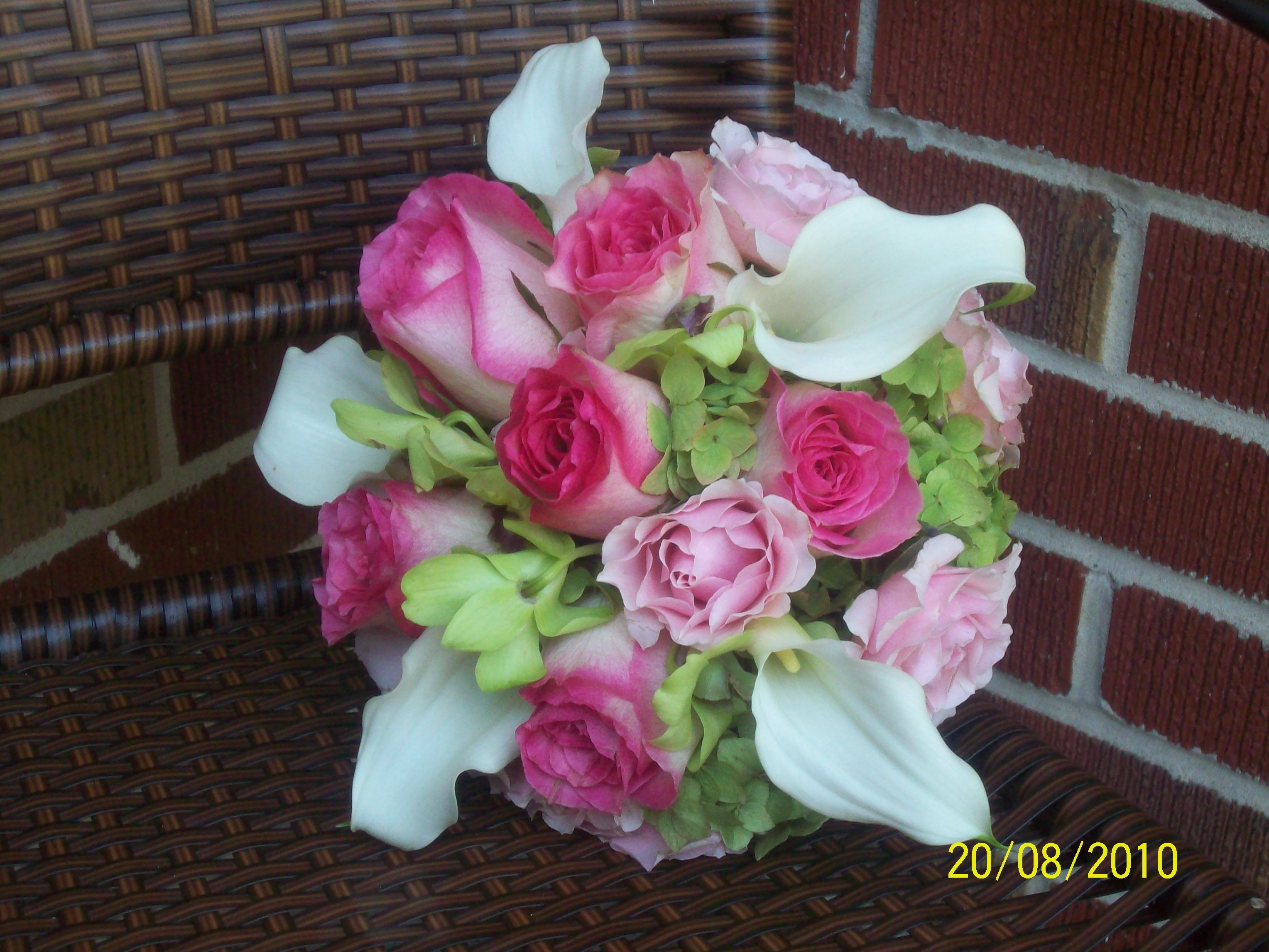 Flowers & Decor, Bridesmaids, Bridesmaids Dresses, Fashion, white, pink, green, Bridesmaid Bouquets, Flowers, Flower Wedding Dresses