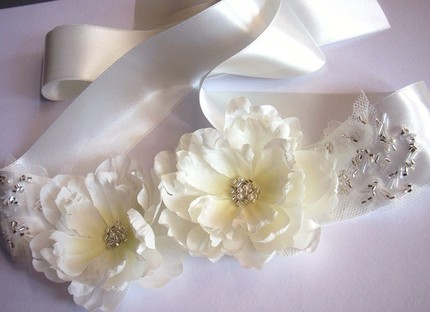 Flowers & Decor, Wedding Dresses, Fashion, white, silver, dress, Bride Bouquets, Bride, Flowers, Bridal, Sash, Belt, Vera, Wang, Etsy, Handmade, Not, Mgmart, Flower Wedding Dresses