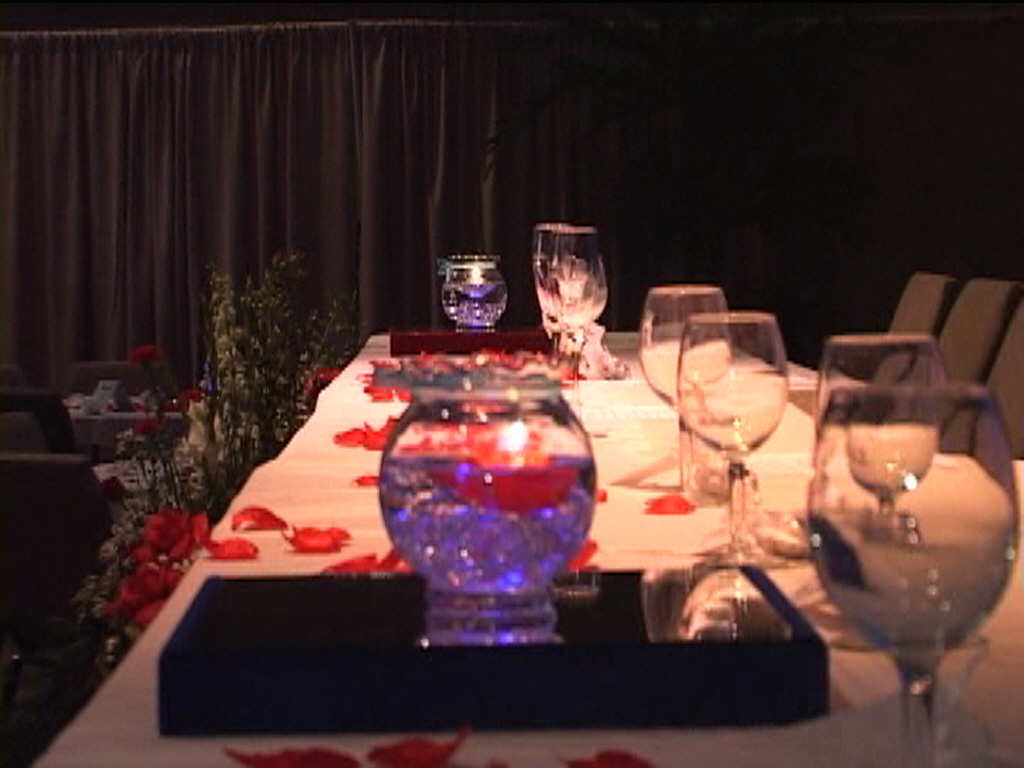 red, blue, Centerpiece