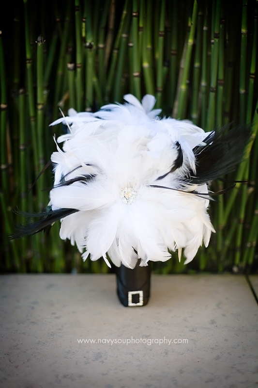 Beauty, Flowers & Decor, Bridesmaids, Bridesmaids Dresses, Vintage Wedding Dresses, Fashion, white, black, Feathers, Bridesmaid Bouquets, Vintage, Flowers, Vintage Wedding Flowers & Decor, Feather, Boutquet, Flower Wedding Dresses, Feather Wedding Dresses