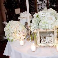 Flowers & Decor, white, gold, Vintage, Flower, Centerpiece, Table, Sweetheart, Name, Frame, Santorini
