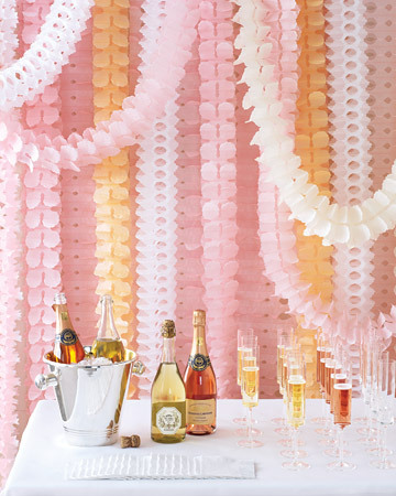 Decoration, Streamers