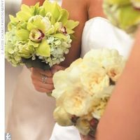 Flowers & Decor, Bridesmaids, Bridesmaids Dresses, Fashion, green, Bridesmaid Bouquets, Flowers, Flower Wedding Dresses