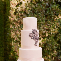 white, silver, Ribbon Wedding Cakes, Round Wedding Cakes