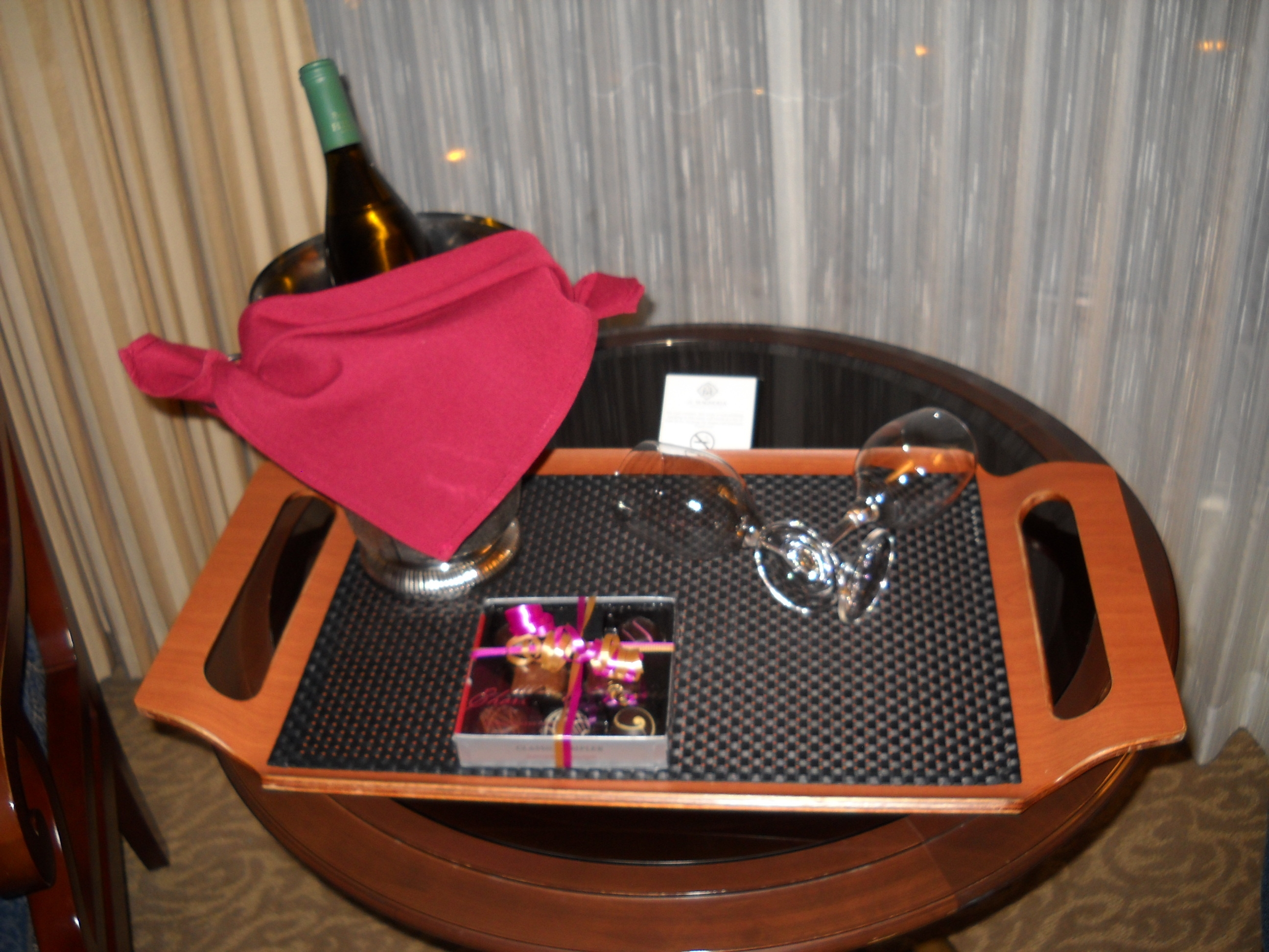Hotel, Mini, Wine, Moon, Magnolia, Chocolates, Claytonandshauna, Minimoon, Complimentary
