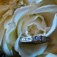 Flowers & Decor, Jewelry, white, Flowers