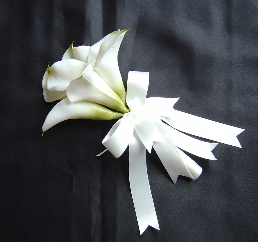 Flowers & Decor, Bridesmaids, Bridesmaids Dresses, Fashion, white, Bridesmaid Bouquets, Flowers, Calla, Lilies, Flower Wedding Dresses
