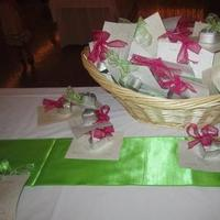 Favors & Gifts, pink, green, Favors